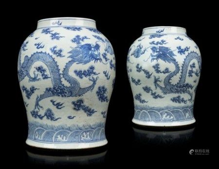 A PAIR OF CHINESE BLUE AND WHITE PORCELAIN VASES 19TH CENTURY