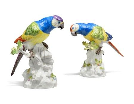 A PAIR OF MEISSEN PORCELAIN MODELS OF PARROTS 20TH CENTURY, BLUE CROSSED SWORDS MARKS, ONE INCISED 77117 AND IMPRESSED 22B, THE OTHER IMPRESSED 7718 AND 102B