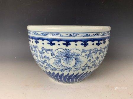 A Chinese Blue White Porcelain Pot