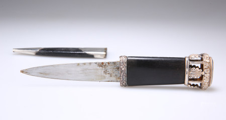 A HM SILVER-MOUNTED SGIAN DUBH WITH 'BIRDCAGE' FINIAL