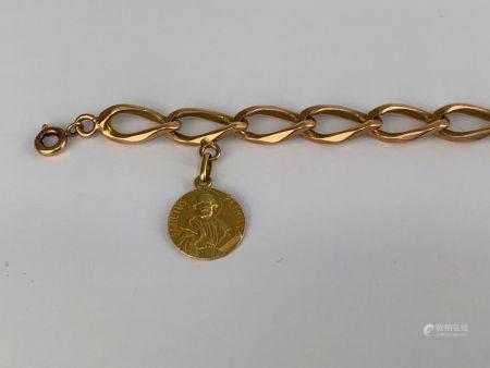 Bracelet à larges mailles gourmette en or rose (750 millièmes)  Poids : 18.1g.