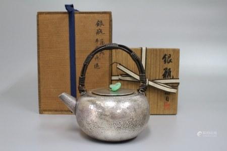 明治时期 藏六造尚古居作银壶 372g
