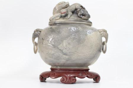 民国 寿山石龙纹双狮盖罐