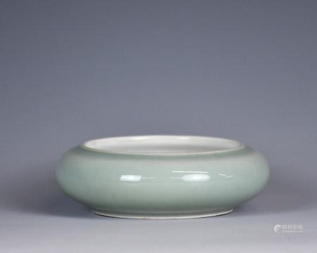 A Green Glaze Washer, 19th C.,Qianlong P.