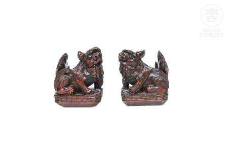 Pareja de esculturas de leones, China.