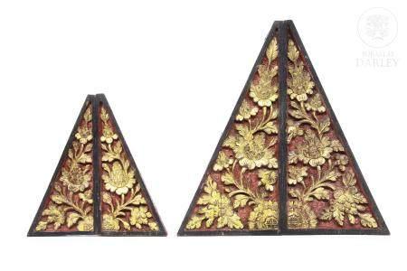 Cuatro piezas para esquinas, decorativas, Peranakan.