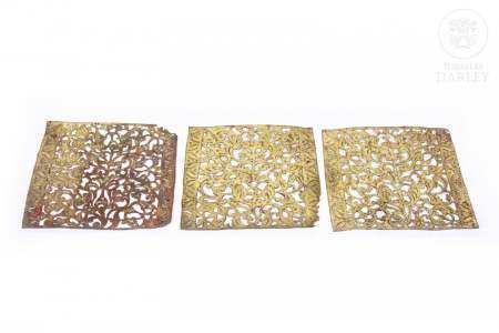 Lote de tres paneles de piel indonesios, pps.s.XX