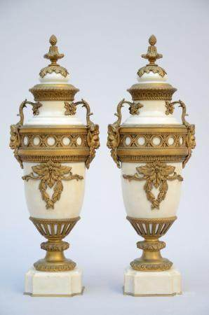 A pair of Louis XVI vases in white marble with bronze fittings (57 cm)