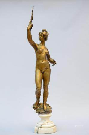 Statue in gilt bronze on a marble base 'female nude' (h 99 cm)