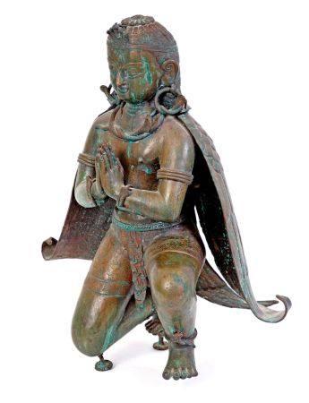 Tibet, XIXe siècleGrande divinité en bronze à patine verte, partiellement ciselé, représentée a