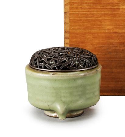 明 龍泉窯竹紋銀蓋爐