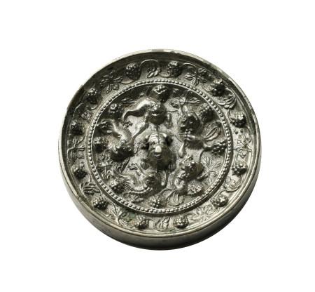 唐 銀光海獸葡萄鏡