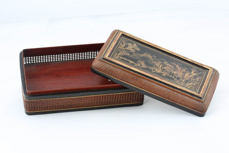 MID TO LATE QING BAMBOO LACQUER BOX