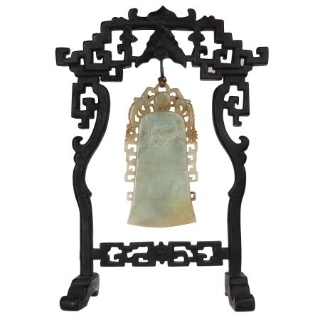 JADE BELL SHAPED CHIME