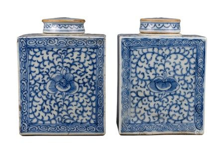 PAIF OF CHINESE BLUE AND WHITE PORCELAIN TEA CADDIES, JIAQING PERIOD, EARLY 19th CENTURY