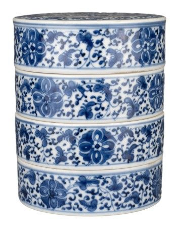 CHINESE BLUE AND WHITE PORCELAIN TIERED SWEET BOX, QIANLONG PERIOD, 18th CENTURY