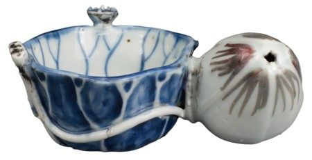 CHINESE UNDERGLAZE BLUE AND COPPER-RED PORCELAIN WATER DROPPER, KANGXI PERIOD, 17th CENTURY