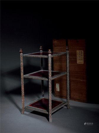 清·康熙 螺鈿三段桌