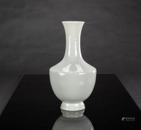 Late Qing/Republic - A White Glaze Flower Pot