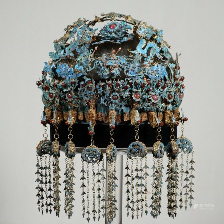 A QING GILT SILVER KINGFISHER FEATHER HEADDRESS