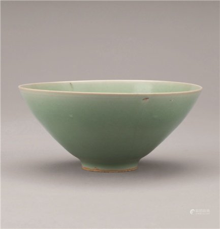 南宋(1127-1279) 龙泉窑斗笠盏