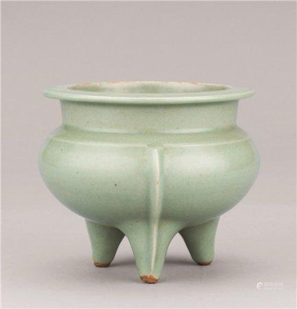 宋代(960-1279) 龙泉窑鬲式炉