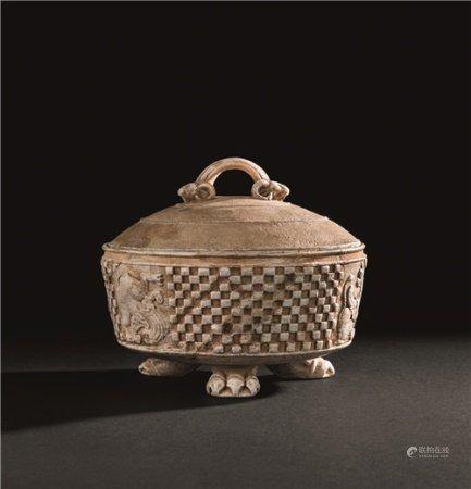 唐代(618-907) 石雕瑞兽纹三兽足盖盒