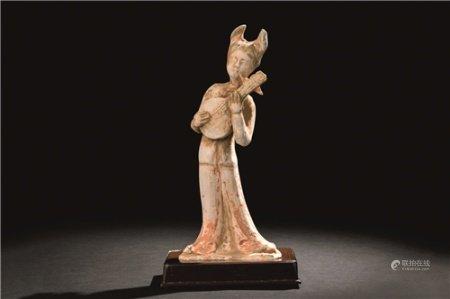 唐代(618-907) 彩陶乐人俑