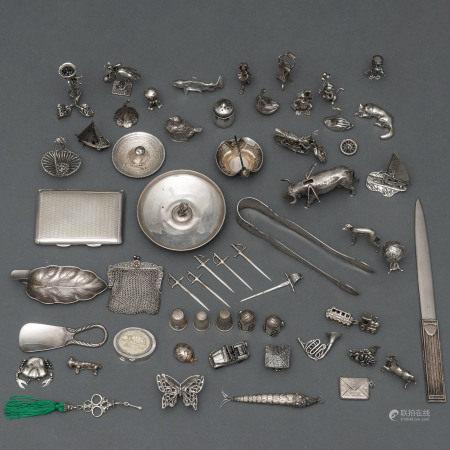 Miscelánea de diversas piezas de animales realizados en plata española punzonada.