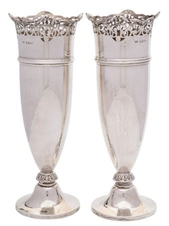 A pair of Edwardian silver vases, maker William Davenport, Birmingham,