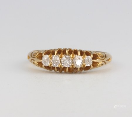 A Victorian 18ct yellow gold 5 stone diamond ring, approx. 0.3ct, 3.4 grams size M