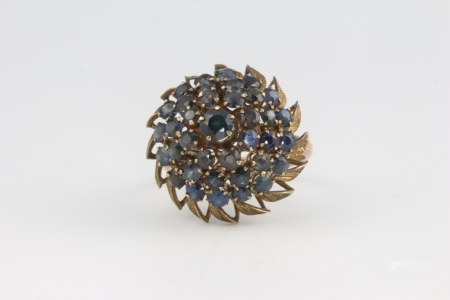 A 14ct yellow gold sapphire ring 4.7 grams, size M
