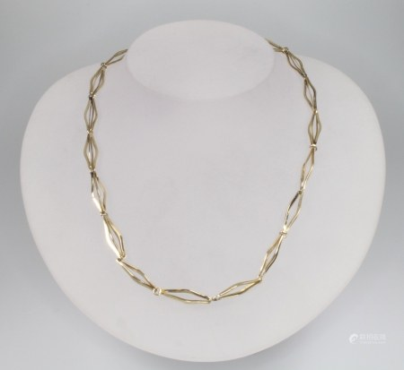 A 9ct yellow gold fancy link necklace, 40cm, 9 grams
