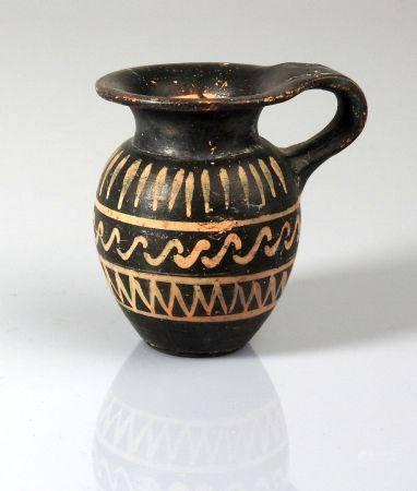 Oenochoé miniature à décor géométrique sur trois rangs Terre cuite 5,5 cm Grande Grèce IV ème s