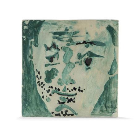 ¤ PABLO PICASSO (1881-1973)  CARREAU 'TÊTE D'HOMME BARBU', 1965  en te