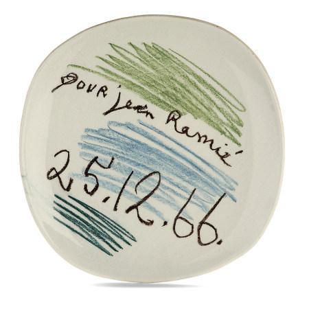 ¤ PABLO PICASSO (1881-1973)  PLAT 'POUR JEAN RAMIÉ', 1966  en faïence,