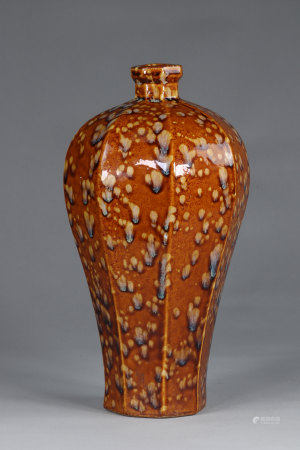 China hexagonal Mei-Ping vases, Song, decorated with partridge feathers, on a beige-brown background