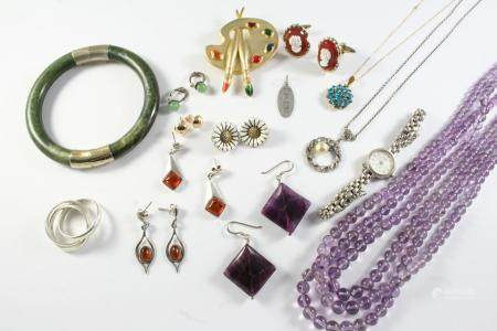 A QUANTITY OF JEWELLERY including an amethyst bead necklace, a silver wristwatch by Rotary, a pair
