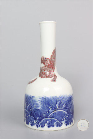 Blue and White Glaze Statue of Ring the Bell with inside Red 青花釉里红摇铃尊