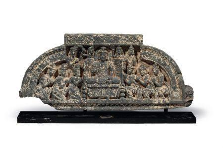 STÈLE représentant la vie de Bouddha, en schiste.  Gandhara Ier - Ve siècle ap. J.C.  H. 14 cm