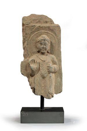 CORPS DE BOUDDHA, sans pied en position d'absence  de crainte. Gandhara Ier - Ve siècle ap. J.C