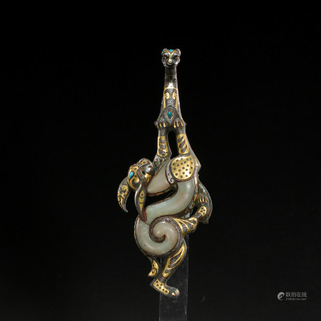 CHINESE BELT HOOK INLAID WITH GOLD, SILVER AND TURQUOISES, HETIAN JADE, WARRING STATES PERIOD