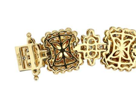 18 Karat Gold, Diamond and Emerald Bracelet