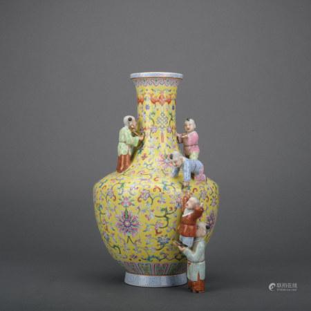 A famille-rose 'floral' vase