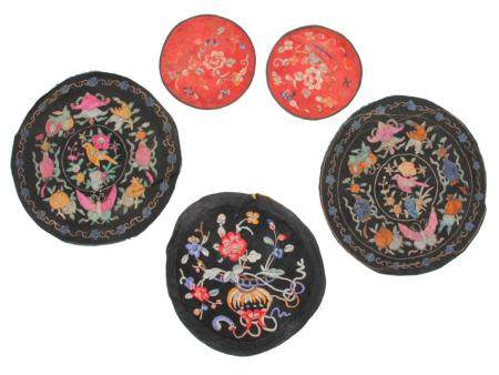 AN ANTIQUE SET OF CHINESE EMBROIDERY
