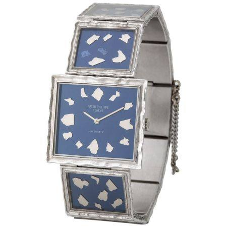 Patek Philippe. Absolutely Fine and Glamorous Nugget Rectangular shape Wristwatch in White Gold