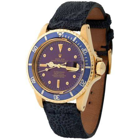 Rolex. Attractive and Charming Submariner Automatic Wristwatch in Yellow Gold, Reference 1680,