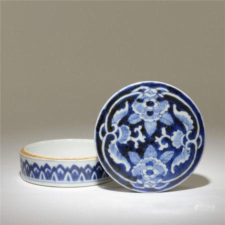 清 青花牡丹紋印泥盒