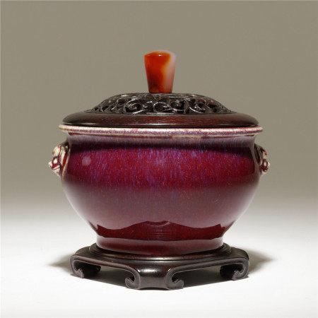 清 窯變紅釉獅耳香爐