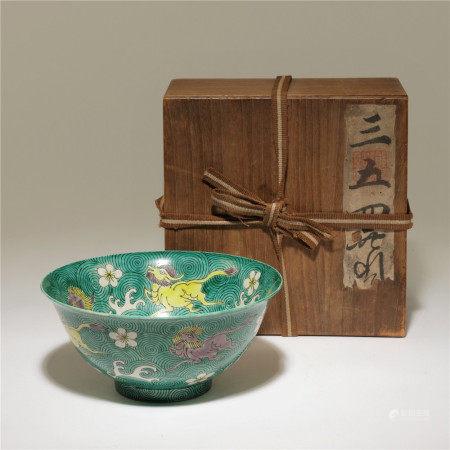 清 素三彩麒麟紋碗